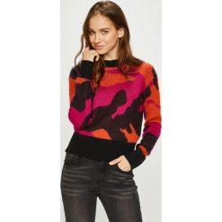 Diesel - Sweter. Brązowe swetry klasyczne damskie marki Diesel, l, z dzianiny, z okrągłym kołnierzem. W wyprzedaży za 699,90 zł.