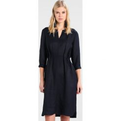 Sukienki hiszpanki: And Less POULA DRESS Sukienka letnia deep well