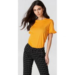NA-KD T-shirt z falbanką - Orange. Szare t-shirty damskie marki NA-KD, z bawełny, z podwyższonym stanem. W wyprzedaży za 18,29 zł.
