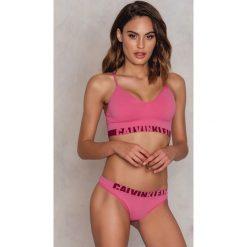 Stringi: Calvin Klein Stringi Logo Thong – Pink