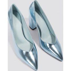 NA-KD Shoes Czółenka na zaookrąglonym obcasie - Blue. Niebieskie buty ślubne damskie NA-KD Shoes. W wyprzedaży za 48,59 zł.