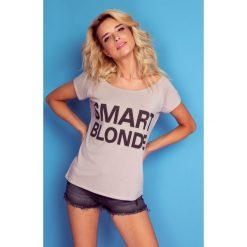 Bluzka t-shirt smart blonde k108. Niebieskie t-shirty damskie Knitis, l, z nadrukiem, z dzianiny, z klasycznym kołnierzykiem. W wyprzedaży za 44,00 zł.