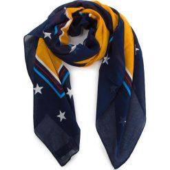 Chusta TOMMY JEANS - Tjw Flag Heart Scarf AW0AW05635 808. Niebieskie chusty damskie marki Tommy Jeans, z bawełny. Za 159,00 zł.