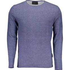 Sweter w kolorze niebieskim. Niebieskie swetry klasyczne męskie Guess, m, z okrągłym kołnierzem. W wyprzedaży za 239,95 zł.