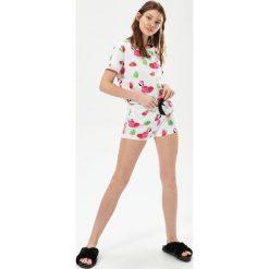 Piżamy damskie: Dwuczęściowa piżama z flamingami – Biały