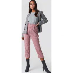 Lioness Spodnie sztruksowe - Pink. Różowe spodnie z wysokim stanem Lioness, ze sztruksu. Za 202,95 zł.