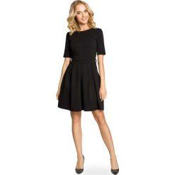Sukienki: Czarna Szeroka Sukienka z Rękawem do Łokcia