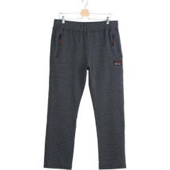 Szare Spodnie Dresowe Fat City. Czarne spodnie dresowe męskie marki Born2be, l, z aplikacjami, z dresówki. Za 44,99 zł.