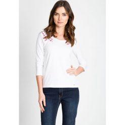 Bluzki damskie: Biała bluzka z kwiatkami QUIOSQUE