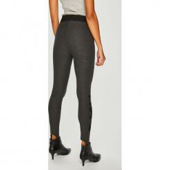 Desigual - Legginsy. Szare legginsy marki Desigual, l, z tkaniny, casualowe, z długim rękawem. W wyprzedaży za 239,90 zł.