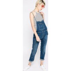 Guess Jeans - Ogrodniczki. Niebieskie boyfriendy damskie Guess Jeans. W wyprzedaży za 399,90 zł.