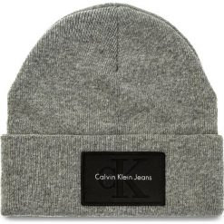 Czapka CALVIN KLEIN JEANS - J Re-Issue Beanie K40K400100 016. Szare czapki damskie marki Calvin Klein Jeans, z jeansu. W wyprzedaży za 139,00 zł.
