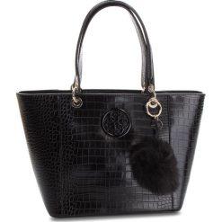 Torebka GUESS - HWCG66 91230  BLA. Czarne torebki klasyczne damskie Guess, z aplikacjami, ze skóry ekologicznej. Za 629,00 zł.