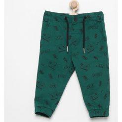 Odzież niemowlęca: Spodnie jogger z nadrukiem - Zielony