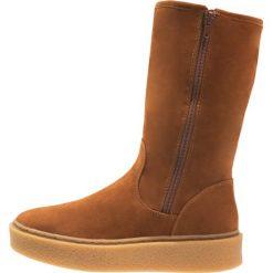 Buty zimowe damskie: Buffalo Kozaki na platformie brown