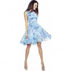 Zwiewna Letnia Sukienka we Wzory - Wzór 2. Niebieskie sukienki asymetryczne marki Molly.pl, do pracy, na lato, xxl, biznesowe, z asymetrycznym kołnierzem, bez rękawów. W wyprzedaży za 146,93 zł.