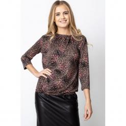 Beżowa bluzka z nadrukiem QUIOSQUE. Brązowe bluzki longsleeves marki QUIOSQUE, z nadrukiem, z gumy. Za 129,99 zł.