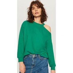 Bluzy damskie: Bluza z wycięciem na ramię – Zielony