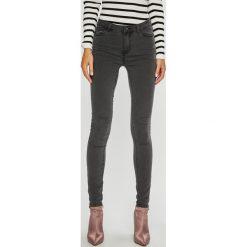 Vero Moda - Jeansy Julia. Szare jeansy damskie rurki Vero Moda, z bawełny. Za 119,90 zł.