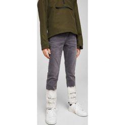 Mango Kids - Jeansy dziecięce Bleach 116-164 cm. Niebieskie jeansy chłopięce marki House. W wyprzedaży za 69,90 zł.