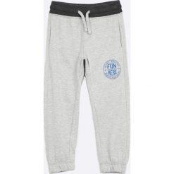 Odzież chłopięca: Blukids - Spodnie dziecięce 98-128 cm