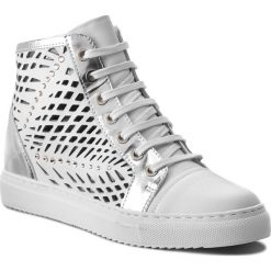 Sneakersy CARINII - B4321 G34-611-000-B67. Białe sneakersy damskie Carinii, z materiału. W wyprzedaży za 239,00 zł.