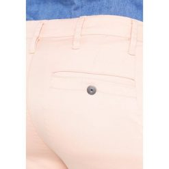GStar BRONSON MID SKINNY CHINO  Spodnie materiałowe rose. Czerwone chinosy damskie marki G-Star, z bawełny. W wyprzedaży za 275,40 zł.