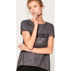 Koszulka z metalicznym połyskiem - Szary. Szare t-shirty damskie Mohito, l. Za 59,99 zł.