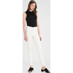 Jeansy damskie: Dorothy Perkins Tall FRANKIE  Jeans Skinny Fit white