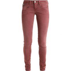 Freeman T. Porter ALEXA Jeansy Slim Fit sable. Niebieskie jeansy damskie marki Freeman T. Porter. W wyprzedaży za 239,85 zł.