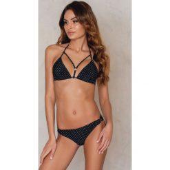NA-KD Swimwear Dół bikini z metalowym kółeczkiem - Black. Czarne bikini NA-KD Swimwear. W wyprzedaży za 24,38 zł.