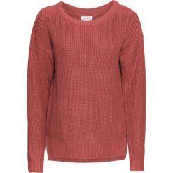Swetry oversize damskie: Sweter oversize bonprix rabarbarowy