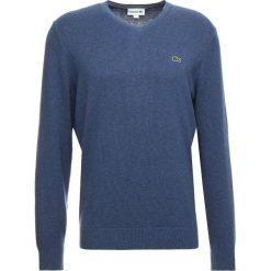 Lacoste Sweter croisiere chine/marinefarine. Szare swetry klasyczne męskie marki Lacoste, z bawełny. Za 419,00 zł.