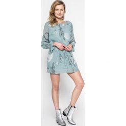 Answear - Sukienka. Szare sukienki mini marki ANSWEAR, na co dzień, l, z elastanu, casualowe, z okrągłym kołnierzem. W wyprzedaży za 79,90 zł.