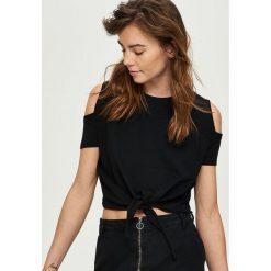 T-shirty damskie: T-shirt cold arms z wiązaniem – Czarny