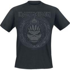 Iron Maiden Book Of Souls Skull T-Shirt czarny. Czarne t-shirty męskie z nadrukiem Iron Maiden, m, z okrągłym kołnierzem. Za 74,90 zł.