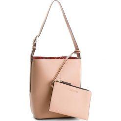 Torebka CALVIN KLEIN - Inside Out Bucket K60K604300  901. Brązowe torebki klasyczne damskie Calvin Klein, ze skóry ekologicznej. W wyprzedaży za 439,00 zł.