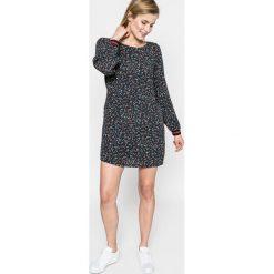 Answear - Sukienka Sporty Fusion. Szare długie sukienki ANSWEAR, na co dzień, l, z materiału, casualowe, z okrągłym kołnierzem, z długim rękawem, proste. W wyprzedaży za 79,90 zł.
