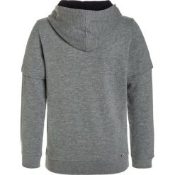 Napapijri BOLD Bluza z kapturem medium grey melange. Szare bluzy chłopięce rozpinane marki Napapijri, z bawełny, z kapturem. W wyprzedaży za 174,85 zł.