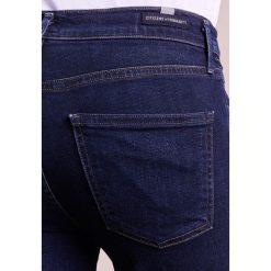 Citizens of Humanity ROCKET CROPPED SCULPT Jeans Skinny Fit galaxy. Niebieskie rurki damskie Citizens of Humanity. W wyprzedaży za 935,20 zł.