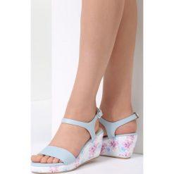 Niebieskie Sandały Little Things. Niebieskie sandały damskie vices, na koturnie. Za 79,99 zł.
