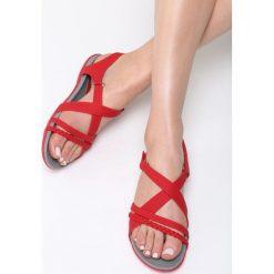 Czerwone Sandały Seagull. Czerwone sandały damskie Born2be, z materiału, na obcasie. Za 89,99 zł.