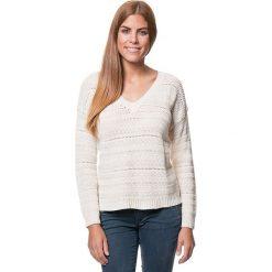 Sweter w kolorze kremowym. Białe swetry klasyczne damskie Benetton, xs, z dzianiny. W wyprzedaży za 107,95 zł.