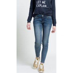 Review - Jeansy Frontyoke. Niebieskie jeansy damskie Review, z bawełny, z obniżonym stanem. W wyprzedaży za 129,90 zł.