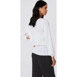 Bluzki damskie: Rut&Circle Bluzka z guzikami Beline - White