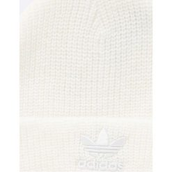 Adidas Originals - Czapka. Szare czapki zimowe damskie adidas Originals, na zimę, z dzianiny. W wyprzedaży za 69,90 zł.