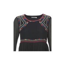 Sukienki krótkie See U Soon  SANCIE. Sukienki małe czarne marki See u Soon, s, z krótkim rękawem. Za 383,20 zł.
