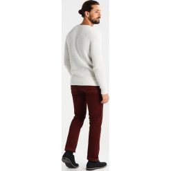Swetry klasyczne męskie: Selected Homme SHXNEWVINCEBUBBLE CREW NECK Sweter egret/bone white