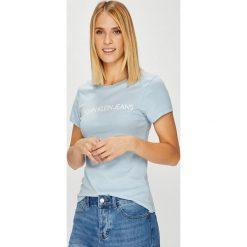 Calvin Klein Jeans - Top. Szare topy damskie Calvin Klein Jeans, s, z nadrukiem, z bawełny, z okrągłym kołnierzem. Za 119,90 zł.