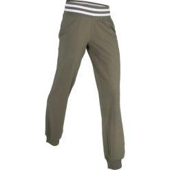 Spodnie sportowe, długie, Level 1 bonprix ciemnooliwkowy. Zielone spodnie sportowe damskie marki bonprix, z dresówki, na fitness i siłownię. Za 37,99 zł.